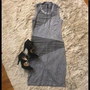 🚨5/$25 ...NWOT Black and gray patten midi dress